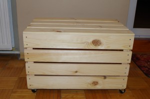 Duży kufer na kółkach